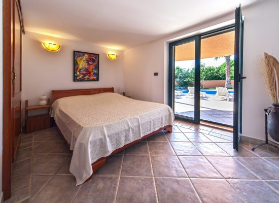 Double bedroom | Villa Rasotica with a pool