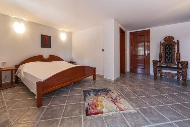 Double bedded traditionally furnished room in Villa Rasotica